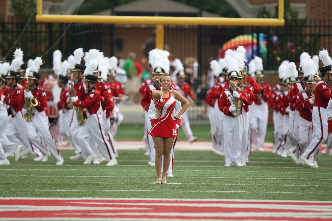 Audition to be a 2016 Feature Twirler!